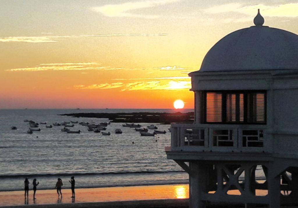 Sonnenuntergang in Cadiz am Meer