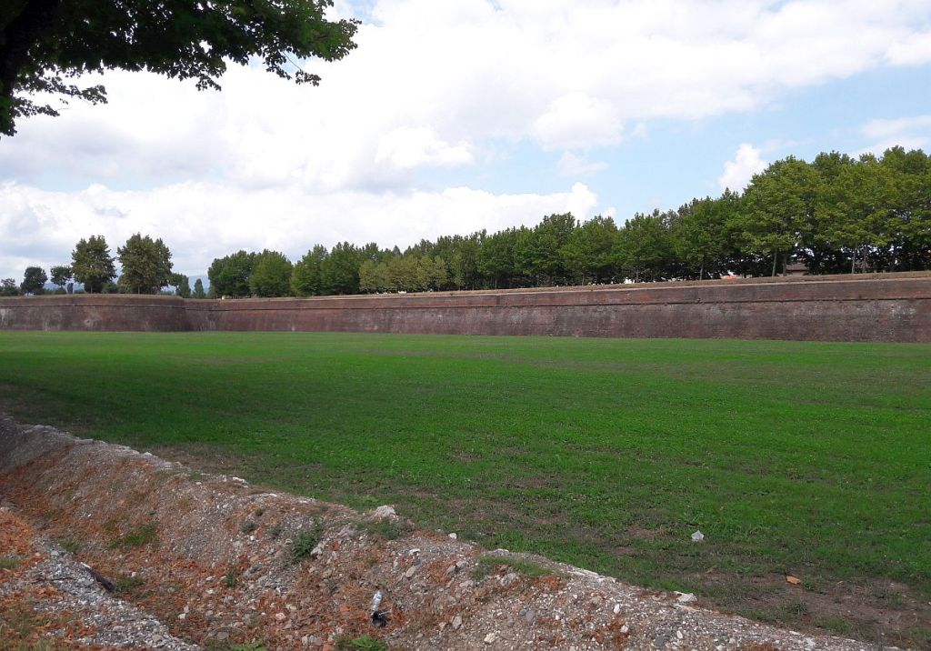 Stadtmauer Lucca