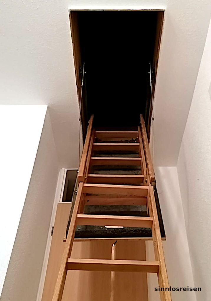 Das schwarze Loch an der Treppe