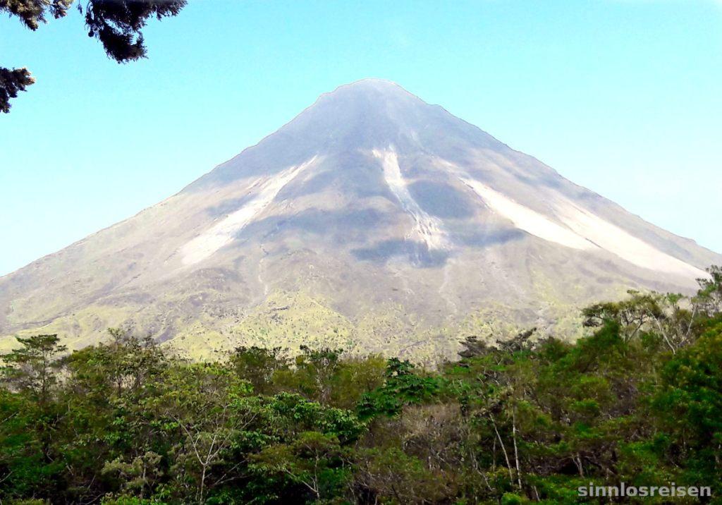 Vulkan El Arenal im Wald
