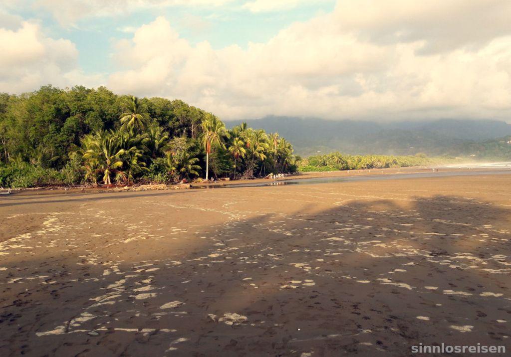 Abendsonne am Strand von Costa Rica