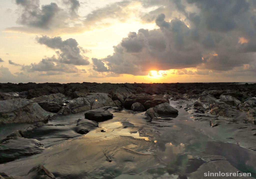 Sonnenuntergang im Marino Ballena NP